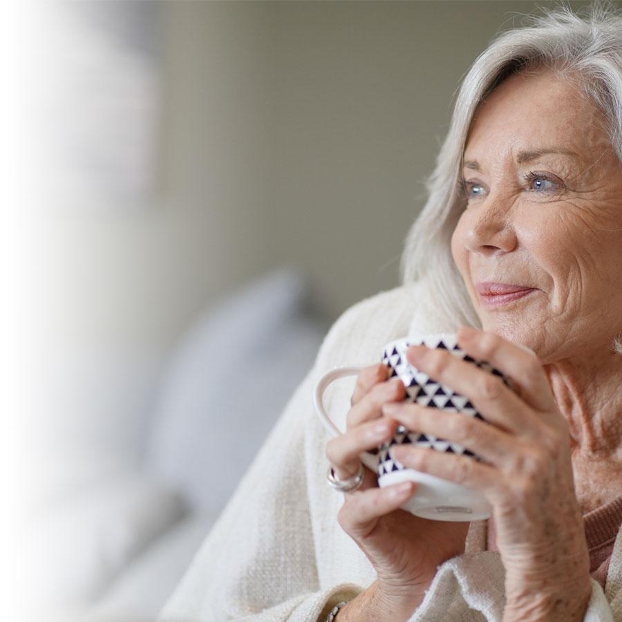 Comment ralentir le vieillissement des cheveux?
