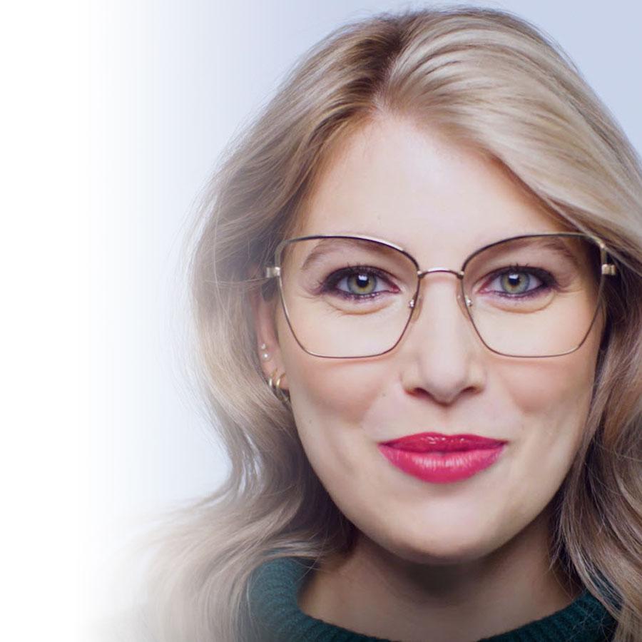 Maquillage des Fêtes: deux looks glam à marier avec vos lunettes!
