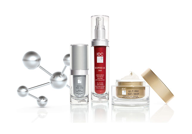 """<p style=""""font-size: 0.8em"""">THE MOST COMPLETE ANTI-AGING RANGE ON THE MARKET</p>"""