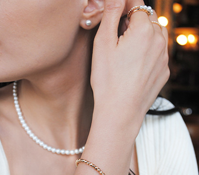 The pearl and zirconia collection