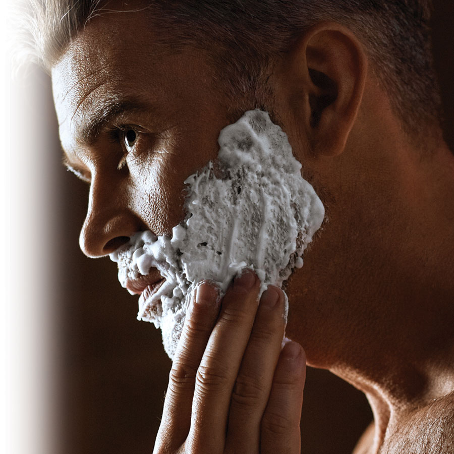 Shaving foam and gel for man: making the right choices