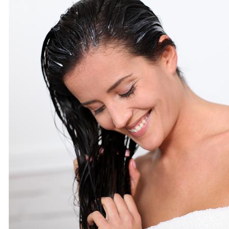 À chaque type de cheveu sa fréquence de lavage!