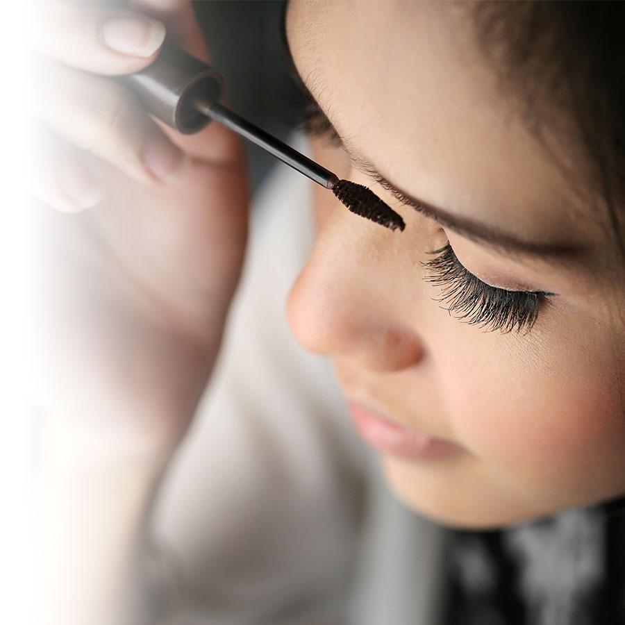 Mascara : différentes applications pour différents looks