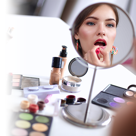 4 makeup mistakes that can age you