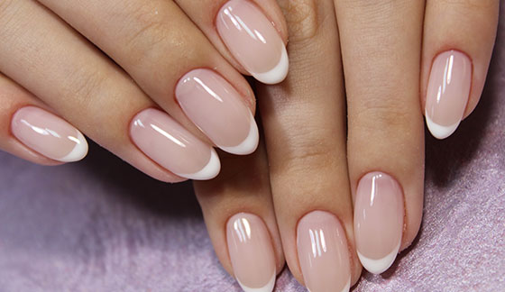 The almond-shaped manicure