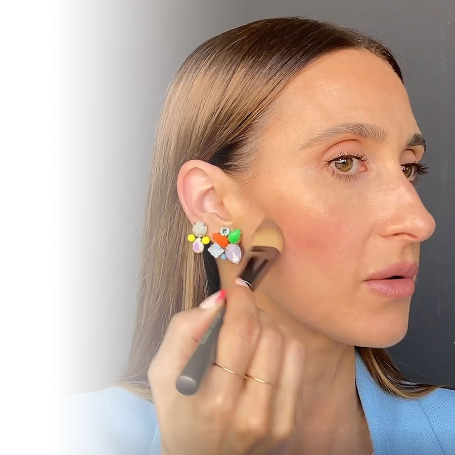 Two infallible contouring techniques for a natural look