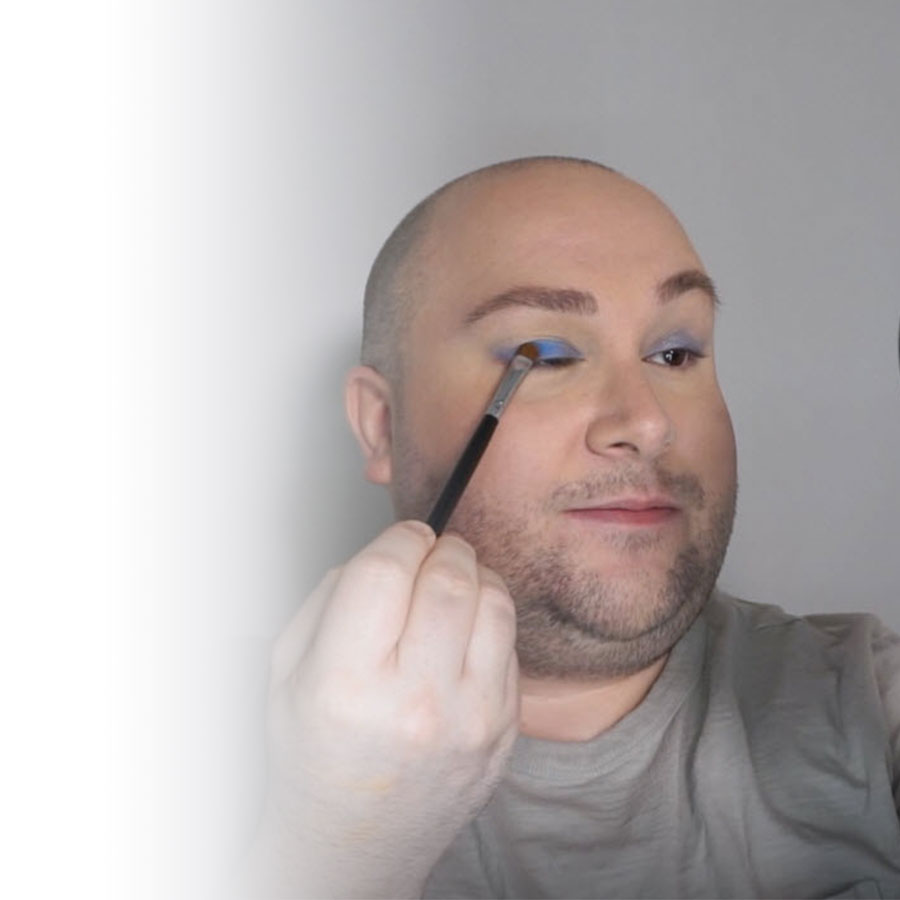 Makeup tutorial: a colourful look to wear proudly!