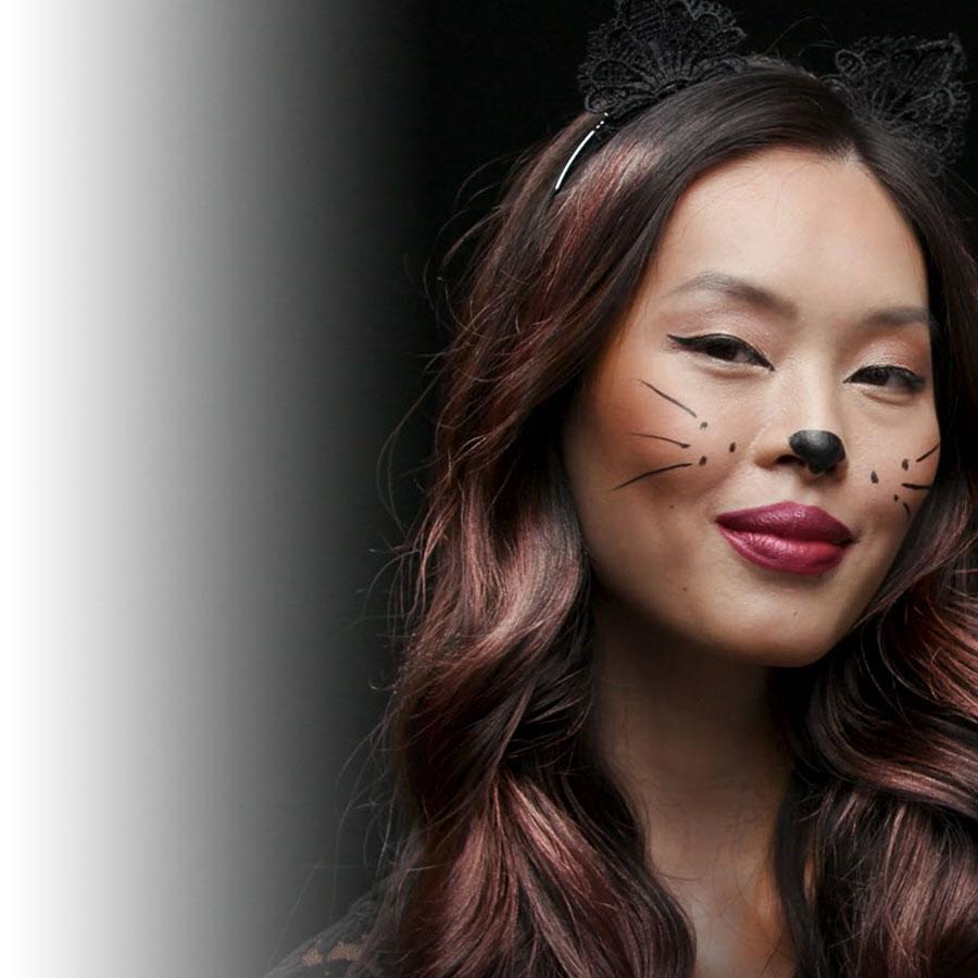 Tutoriel d'Halloween L'Oréal Paris : la féline fascinante